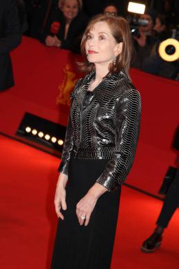 photo 15/40 - Isabelle Huppert - Berlin 2016 Tapis rouge - L'Avenir - © Isabelle Vautier pour @Commeaucinema.com