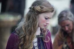 photo 36/61 - Alyssa Sutherland - Vikings - Saison 3 - © Canal +