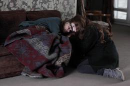 photo 12/62 - Anne Consigny, Jenna Thiam - Les Revenants - Saison 2 - © Canal +