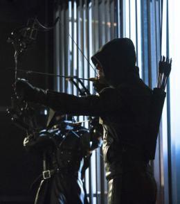 photo 2/4 - Arrow - Saison 2 - © CW