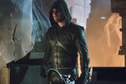 photo 4/4 - Arrow - Saison 2 - © CW