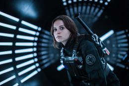 Felicity Jones Rogue One : A Star Wars Story photo 8 sur 34