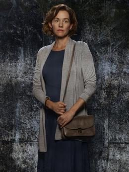 Penelope Ann Miller American Crime - Saison 1 photo 2 sur 9