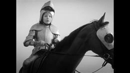 photo 13/17 - Noé Savoyat - Les Filles au Moyen-Âge - © Potemkine Films