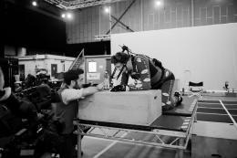 photo 13/20 - J.A. Bayona & Liam Neeson - Quelques Minutes Après Minuit - © Metropolitan FilmExport