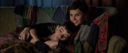 photo 15/20 - Lewis MacDougall & Felicity Jones - Quelques Minutes Après Minuit - © Metropolitan FilmExport