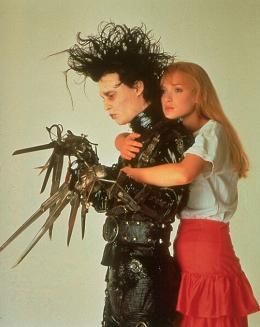photo 3/17 - Johnny Depp, Wynona Ryder - Edward aux Mains d'Argent