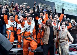 photo 4/64 - Première du film Star Wars - Le Réveil de la Force à Los Angeles - Star Wars VII : la première du film à Los Angeles - © Disney