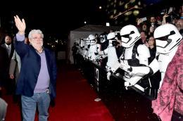 photo 52/64 - Première du film Star Wars - Le Réveil de la Force à Los Angeles - Star Wars VII : la première du film à Los Angeles - © Disney