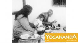 Yogananda Paramahansa Yogananda, Mahatma Gandhi photo 2 sur 8