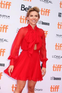 Scarlett Johansson Tapis rouge du film Tous en Sc�ne au Festival de Toronto 2016 photo 10 sur 285