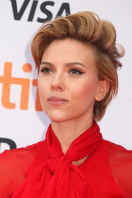 Scarlett Johansson Tapis rouge du film Tous en Sc�ne au Festival de Toronto 2016 photo 5 sur 285