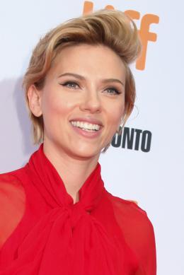 Scarlett Johansson Tapis rouge du film Tous en Sc�ne au Festival de Toronto 2016 photo 7 sur 285