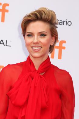 Scarlett Johansson Tapis rouge du film Tous en Sc�ne au Festival de Toronto 2016 photo 9 sur 285