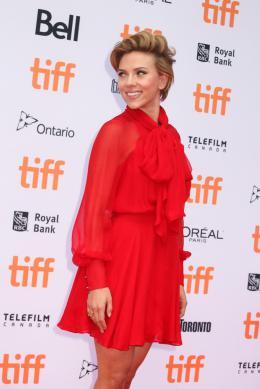 photo 9/51 - Scarlett Johansson - Tapis rouge - Toronto 2016 - Toronto 2016 : Tous en Scène - © Isabelle Vautier pour @CommeAuCinema.com