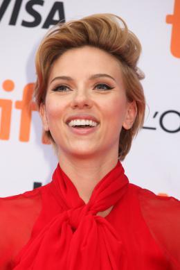 Scarlett Johansson Tapis rouge du film Tous en Sc�ne au Festival de Toronto 2016 photo 6 sur 285