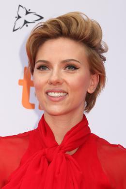 Scarlett Johansson Tapis rouge du film Tous en Sc�ne au Festival de Toronto 2016 photo 8 sur 285