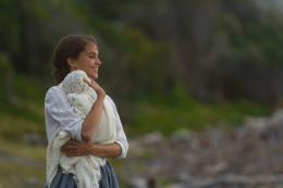 Une Vie Entre Deux Oc�ans Alicia Vikander photo 6 sur 58