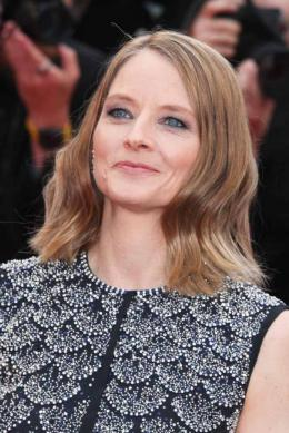 photo 70/125 - Jodie Foster - Money Monster Tapis rouge - Cannes 2016 : Julia Roberts radieuse pour Money Monster - © Isabelle Vautier pour @Commeaucinema.com
