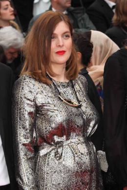 photo 30/102 - Valérie Donzelli - Tapis rouge d'ouverture / Café Society - Cannes 2016 : Café Society ouvre les festivités - © Isabelle Vautier pour @Commeaucinema.com