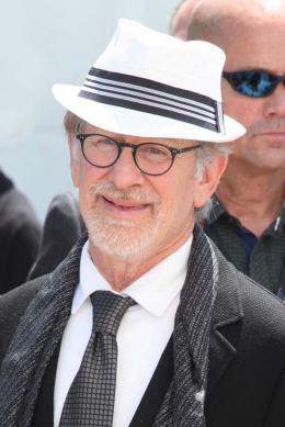 photo 16/42 - Steven Spielberg - Photocall Cannes 2016 - Le BGG - Le Bon Gros Géant - © Isabelle Vautier pour @CommeAuCinema