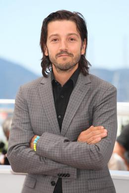 photo 13/42 - Diego Luna - Cannes 2016 Photocall - Blood Father - © Isabelle Vautier pour @CommeAuCinema