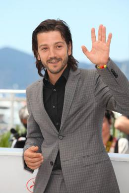 photo 11/42 - Diego Luna - Cannes 2016 Photocall - Blood Father - © Isabelle Vautier pour @CommeAuCinema