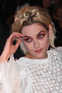 photo 12/18 - Kristen Stewart - Personal Shopper Tapis rouge - Cannes 2016 : Kristen Stewart s'empare de la Croisette - © Isabelle Vautier pour @CommeAuCinema