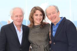 photo 22/29 - Jean-Pierre Dardenne, Adèle Haenel, Luc Dardenne - Photocall Cannes 2016 - La Fille Inconnue - © Isabelle Vautier pour @CommeAuCinema