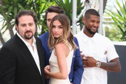 photo 22/45 - Jonathan Jabubowicz, Ana De Armas, Usher Raymond - Photocall Cannes 2016 - Hands of Stone - © Isabelle Vautier pour @CommeAuCinema