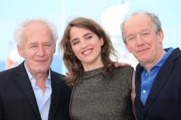 photo 23/29 - Jean-Pierre Dardenne, Adèle Haenel, Luc Dardenne - Photocall Cannes 2016 - La Fille Inconnue - © Isabelle Vautier pour @CommeAuCinema
