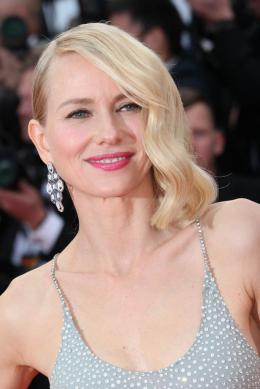 photo 110/125 - Naomi Watts - Money Monster Tapis rouge - Cannes 2016 : Julia Roberts radieuse pour Money Monster - © Isabelle Vautier pour @Commeaucinema.com