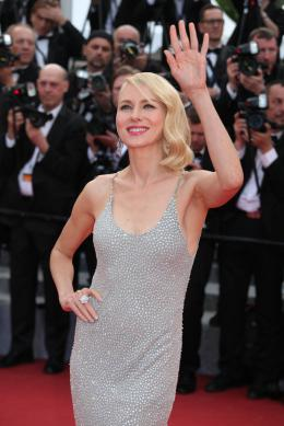 photo 85/125 - Naomi Watts - Money Monster Tapis rouge - Cannes 2016 : Julia Roberts radieuse pour Money Monster - © Isabelle Vautier pour @Commeaucinema.com