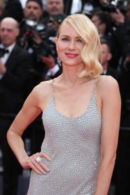 photo 60/125 - Naomi Watts - Money Monster Tapis rouge - Cannes 2016 : Julia Roberts radieuse pour Money Monster - © Isabelle Vautier pour @Commeaucinema.com