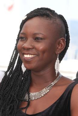 photo 14/29 - Nadège Ouedraogo - Photocall Cannes 2016 - La Fille Inconnue - © Isabelle Vautier pour @CommeAuCinema