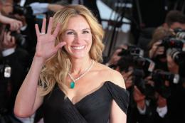 photo 93/125 - Julia Roberts - Money Monster Tapis rouge - Cannes 2016 : Julia Roberts radieuse pour Money Monster - © Isabelle Vautier pour @Commeaucinema.com
