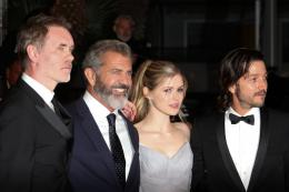 photo 32/42 - Jean-François Richet, Mel Gibson, Erin Moriarty, Diego Luna - Cannes 2016 Tapis Rouge - Blood Father - © Isabelle Vautier pour @CommeAuCinema