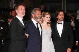 photo 33/42 - Jean-François Richet, Mel Gibson, Erin Moriarty, Diego Luna - Cannes 2016 Tapis Rouge - Blood Father - © Isabelle Vautier pour @CommeAuCinema