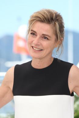 photo 39/67 - Anne Consigny - Photocall Cannes 2016 - Elle - © Isabelle Vautier pour @CommeAuCinema