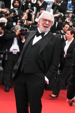 photo 75/102 - Donald Sutherland - Tapis rouge d'ouverture / Café Society - Cannes 2016 : Café Society ouvre les festivités - © Isabelle Vautier pour @Commeaucinema.com