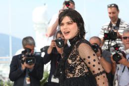 Voir du Pays Soko - Cannes 2016 Photocall photo 8 sur 17