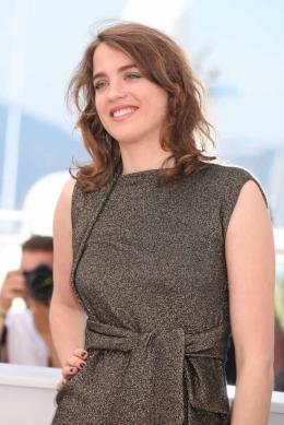 photo 21/29 - Adèle Haenel - Photocall Cannes 2016 - La Fille Inconnue - © Isabelle Vautier pour @CommeAuCinema