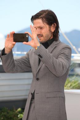 photo 19/42 - Diego Luna - Cannes 2016 Photocall - Blood Father - © Isabelle Vautier pour @CommeAuCinema