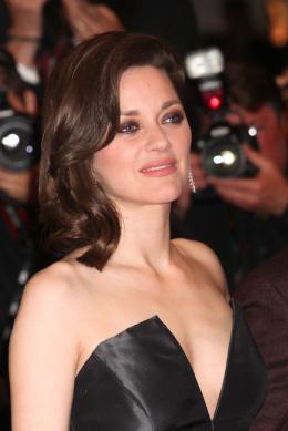 photo 47/77 - Marion Cotillard - Juste La Fin du Monde Tapis Rouge - Cannes 2016 : L'équipe glamour de Juste La Fin du Monde - © Isabelle Vautier pour @CommeAuCinema