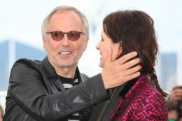photo 17/53 - Fabrice Luchini, Juliette Binoche - Présentation du film au 69ème Festival de Cannes 2016 - Ma Loute - © Isabelle Vautier pour @Commeaucinema.com