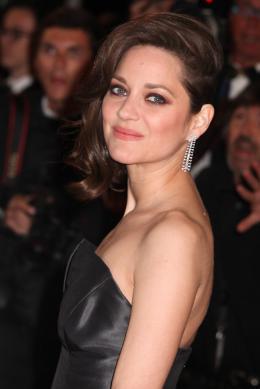 photo 44/77 - Marion Cotillard - Juste La Fin du Monde Tapis Rouge - Cannes 2016 : L'équipe glamour de Juste La Fin du Monde - © Isabelle Vautier pour @CommeAuCinema