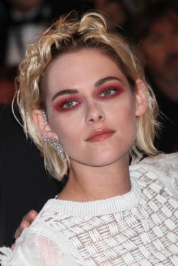 photo 14/18 - Kristen Stewart - Personal Shopper Tapis rouge - Cannes 2016 : Kristen Stewart s'empare de la Croisette - © Isabelle Vautier pour @CommeAuCinema