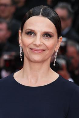 photo 52/53 - Juliette Binoche - Présentation du film au 69ème Festival de Cannes 2016 - Ma Loute - © Isabelle Vautier pour @CommeAuCinema
