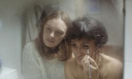 photo 5/10 - Jeune Femme - © Shellac
