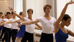 photo 12/16 - Niels Schneider - Polina, danser sa vie - © UGC Distribution